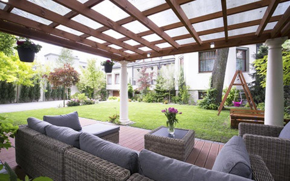 Arredo portico stunning arredare casa in stile moderno for Arredo giardino perugia